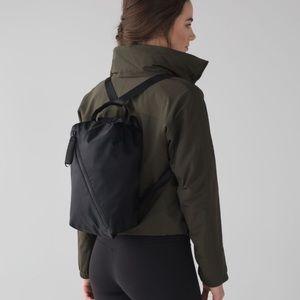 NWT Lululemon Fast Track Backpack Black!